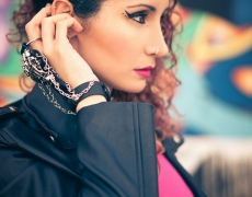 Sarai - Nu Goth - Close Hand Hair 1
